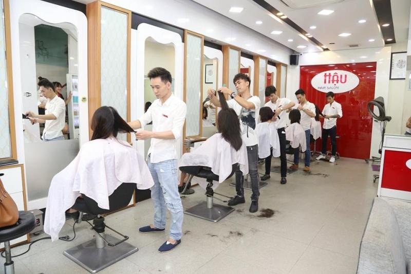 Không gian bên trong của Hậu Hair Salon