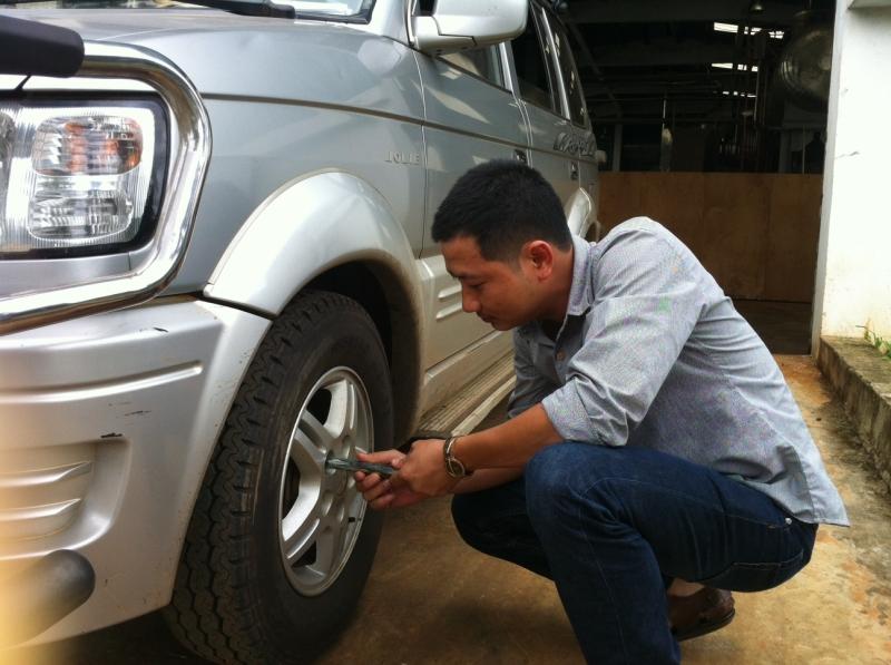 Hãy kiểm tra kỹ lốp xe của bạn trước khi vào đường cao tốc.