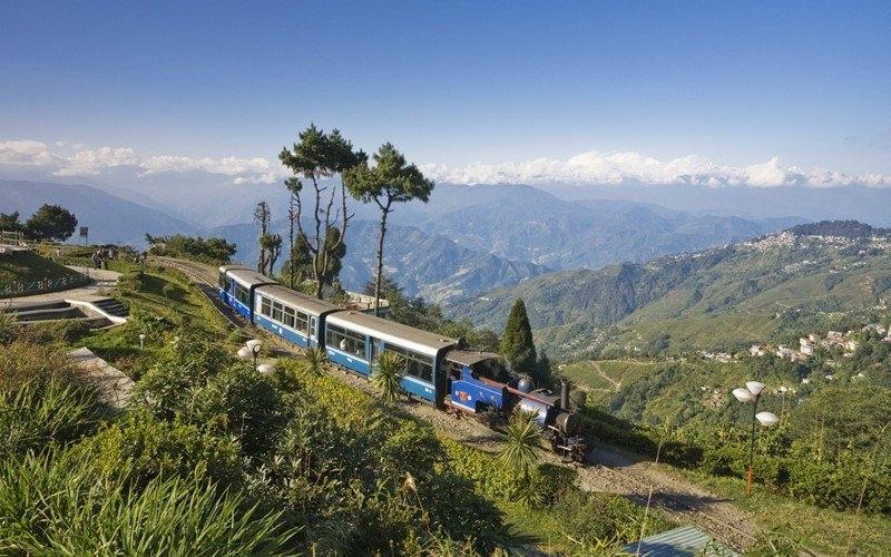 Hệ thống đường sắt trên núi của Ấn Độ được xây dựng khoảng cuối thế kỷ 18
