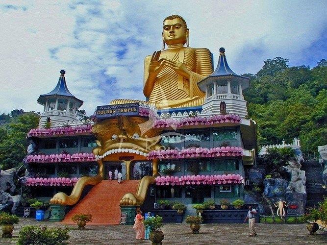 Đền vàng Dambulla của Sri Lanka nằm tại trung tâm Sri Lanka