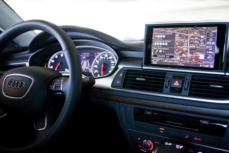 Hệ thống máy tính lắp đặt trên xe