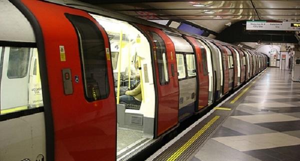 Tàu điện ngầm tại Anh