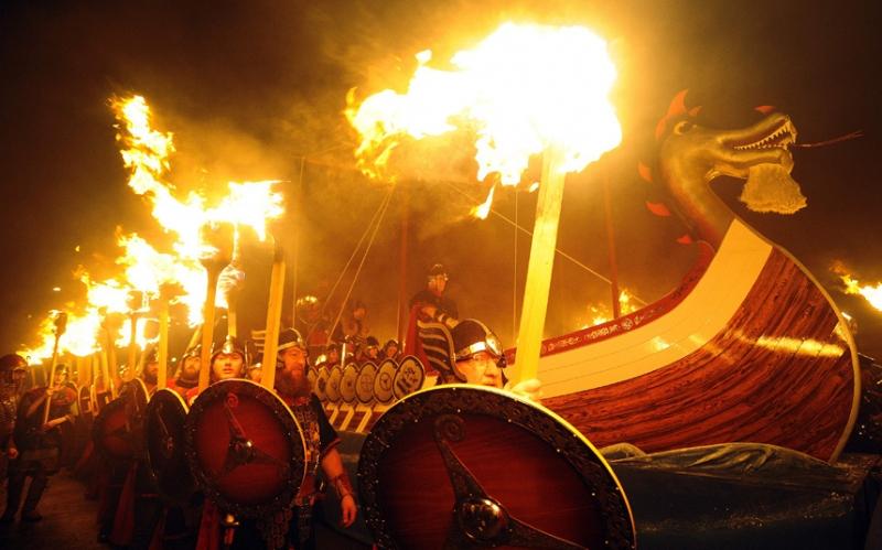 Helly Aa ở Shetland - lễ hội lửa lớn nhất châu Âu