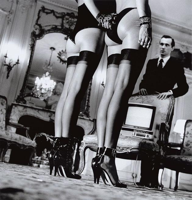Những bức ảnh thời trang của Helmut Newton luôn đầy ám ảnh.