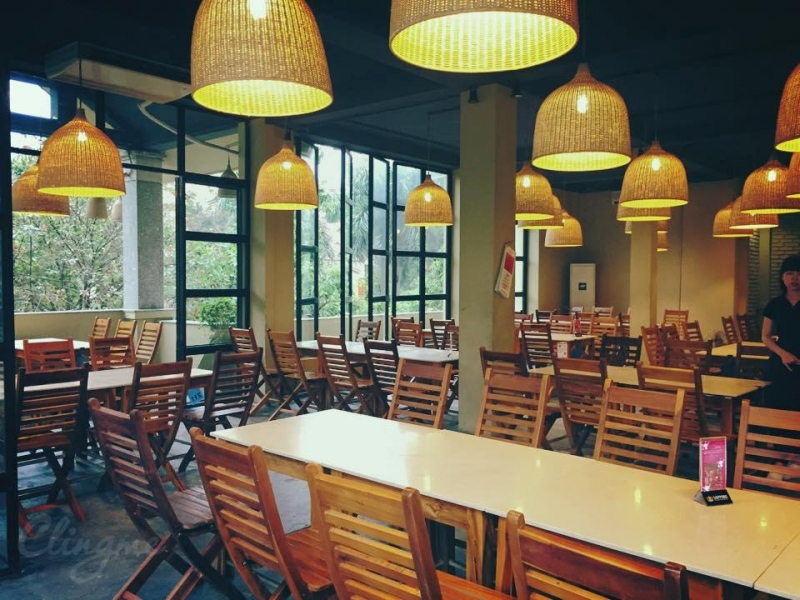 Hẻm Quán là một trong những nhà hàng sở hữu không gian đẹp tại Hà Nội