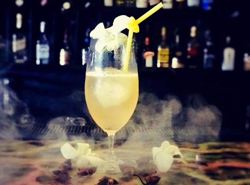 Sự tươi trẻ, quyến rũ còn được tìm thấy ở những món đồ uống mà nhân viên Heyla phục vụ