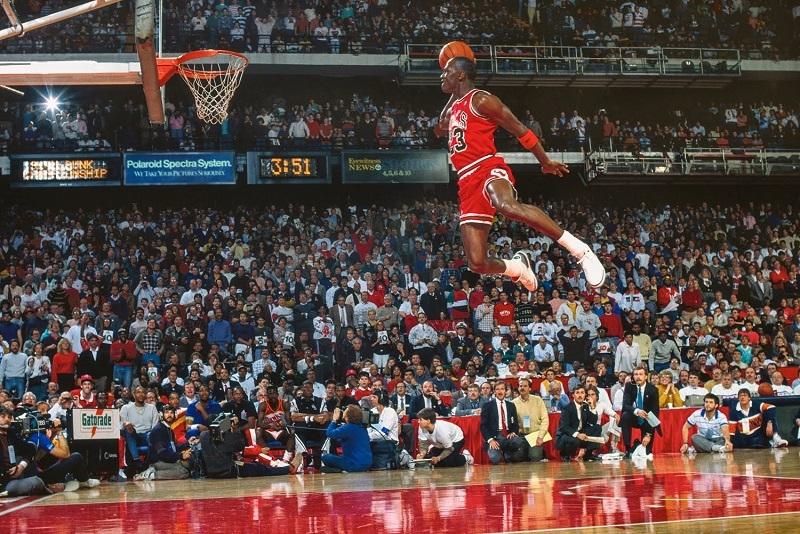 Huyền thoại bóng rổ của thập kỷ 90: Michael Jordan