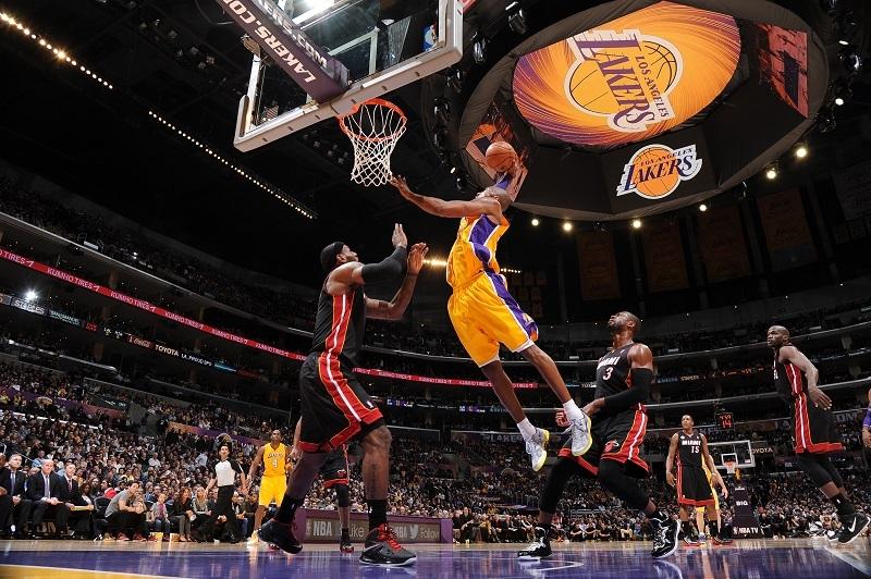 Huyền thoại bóng rổ những năm 2000 - Kobe Bryant
