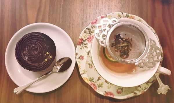 High Tea - Thưởng thức trà chiều trong lâu đài Ấn Độ