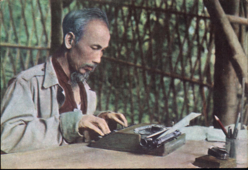 Phòng làm việc của Bác ở Việt Bắc đơn sơ