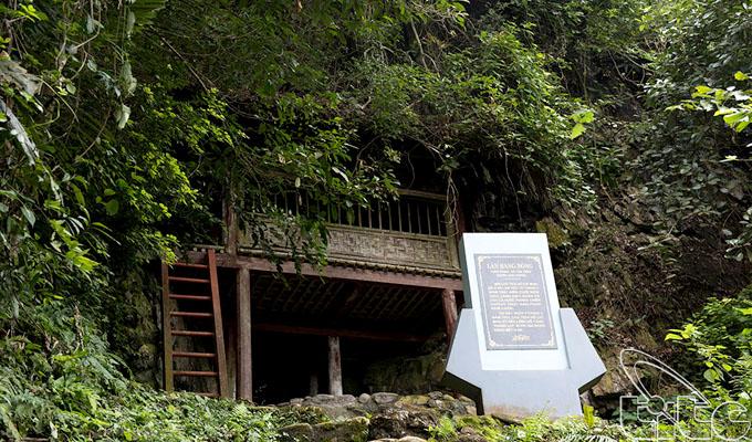 Di tích Lán Hang Bòng - nơi Bác làm việc ở chiến khu Việt Bắc
