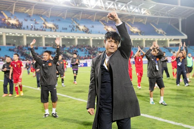 HLV Nguyễn Hữu Thắng đang gây dựng được lối chơi đẹp mắt cho ĐTQG Việt Nam