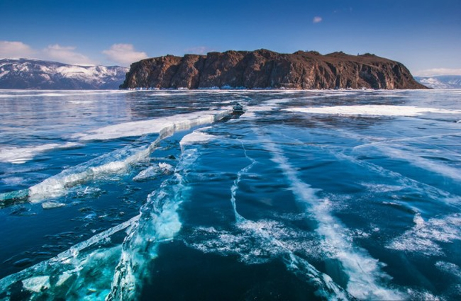 Hồ Baikal ở Nga là kỳ quan thiên nhiên có một không hai trên thế giới