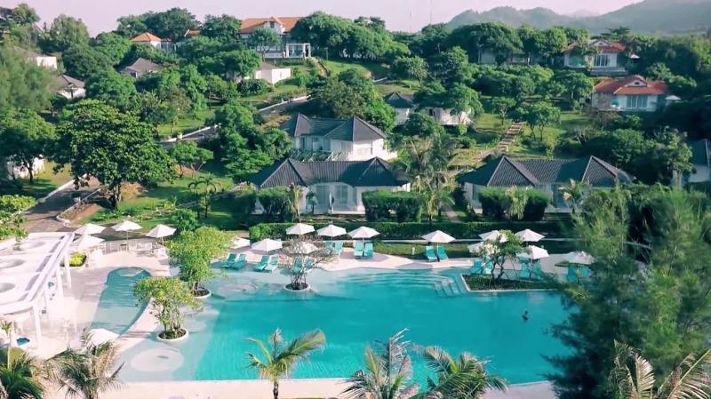 Hồ bơi tại Alma Oasis Long Hải Resort
