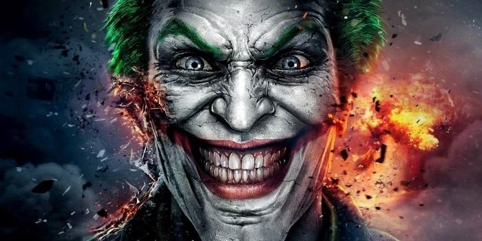 Joker - luôn quái dị và khác biệt.
