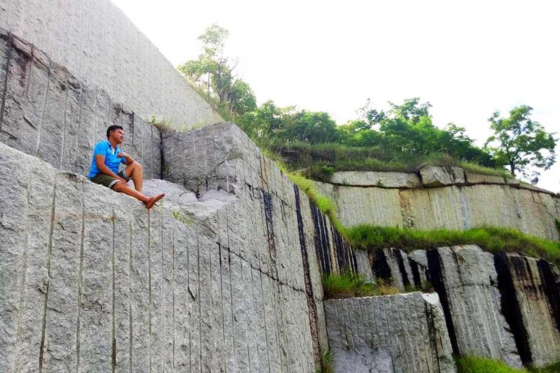 Đặt chân tới Latina, nhiều bạn trẻ sẽ thỏa sức sống ảo, rồi nằm thả mình trên những tảng đá, tận hưởng thiên nhiên khí trời hòa quyện.