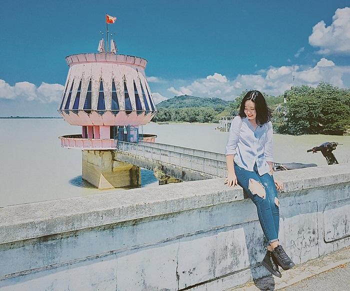 Hồ Dầu Tiếng ở Tây Ninh