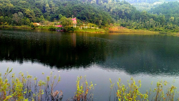 Hồ Đồng Quan