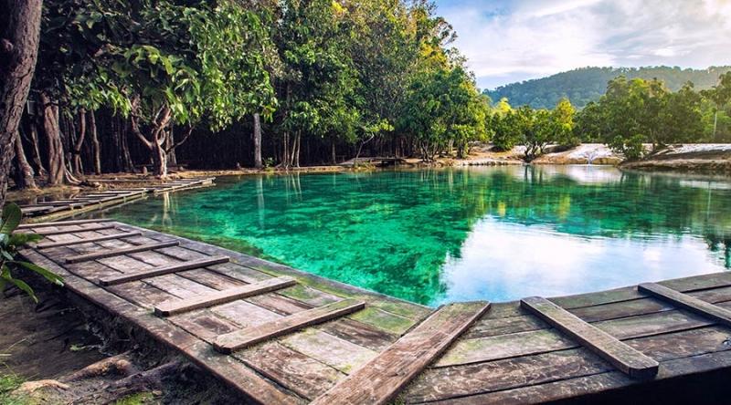Hồ Emerald