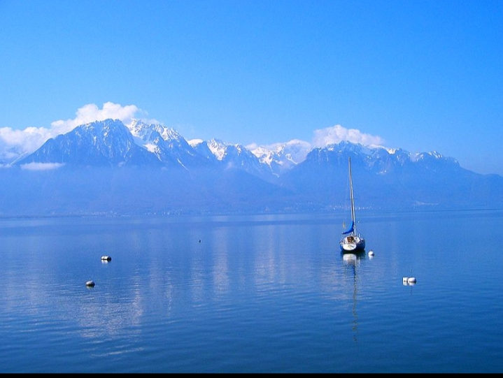 Cảnh quan Hồ Geneve nhìn từ Montreux