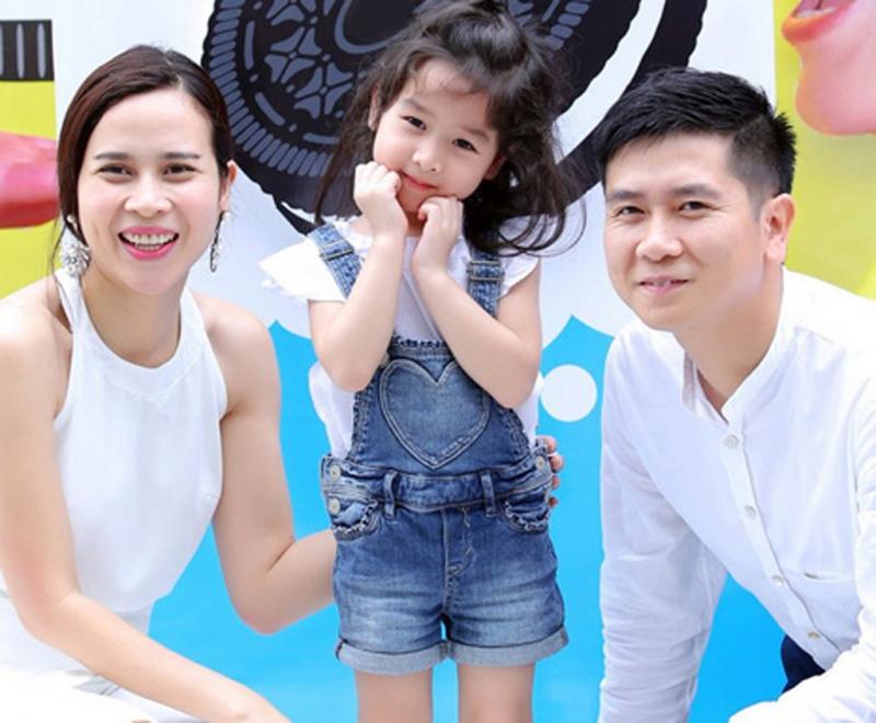 Gia đình cặp đôi Giang- Hồ và cô chị cả Mina