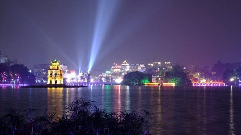 Hồ Hoàn Kiếm (Hồ Gươm)