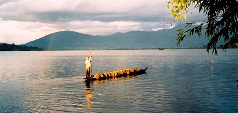 Huyền thoại Hồ Lắk