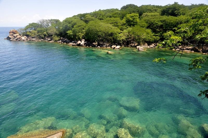 Hồ Malawi được coi là viên ngọc quý giá của châu Phi