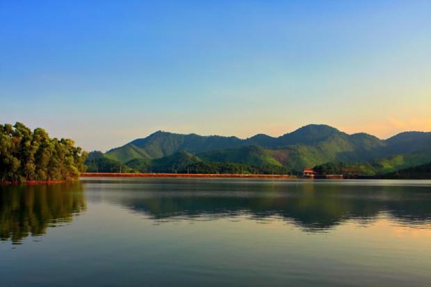 Khung cảnh Hồ Núi Cốc