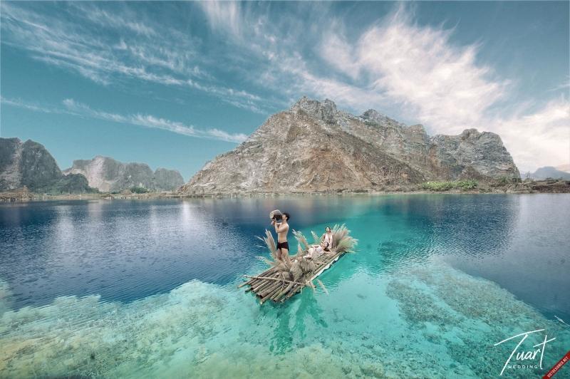 Hồ nước xanh (Tuyệt Tình Cốc)