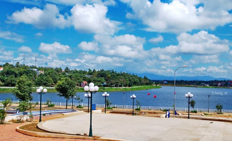 Hồ Tây Đắk Mil