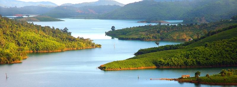 Hồ Thác Bà - Hạ Long trên cạn