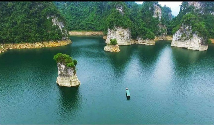 Na Hang hydroelectric lake bed