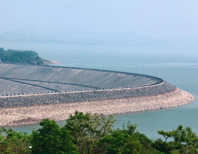 Hồ thủy điện Yaly