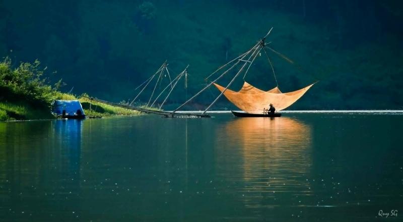 Hồ Tuyền Lâm vô cùng rộng lớn, ở đây có khí hậu trong lành, mát mẻ kết hợp với bầu không gian yên tĩnh