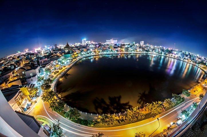 Hồ Xáng Thổi nhìn từ trên xuống