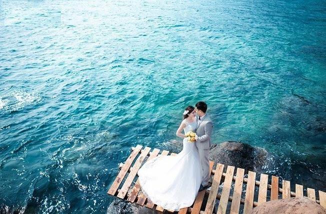 Hồ Xanh là địa điểm chụp ảnh cưới đẹp của Đà Nẵng