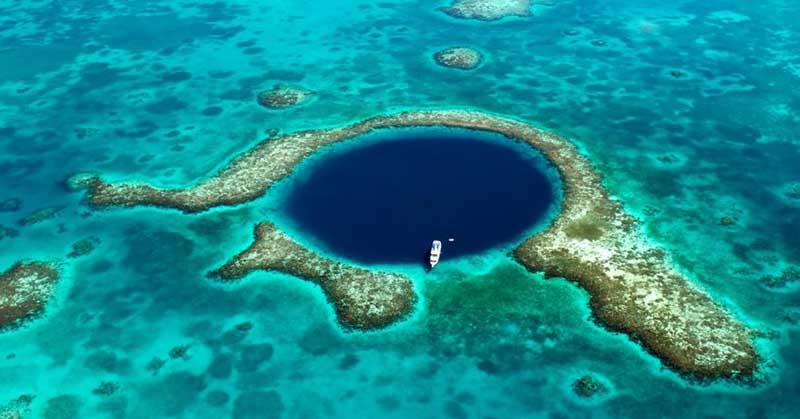 Hố xanh vĩ đại ở Belize