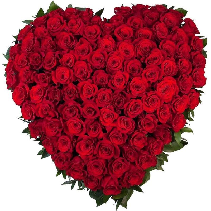 Hoa là món quà thông dụng và cũng là món quà đơn giản được nhiều chị em ưa thích.