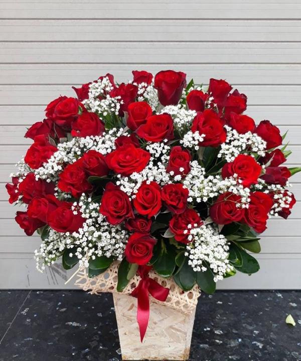 Tặng hoa hồng cho người yêu ngày Valentine