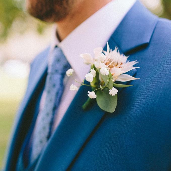Hoa cài áo