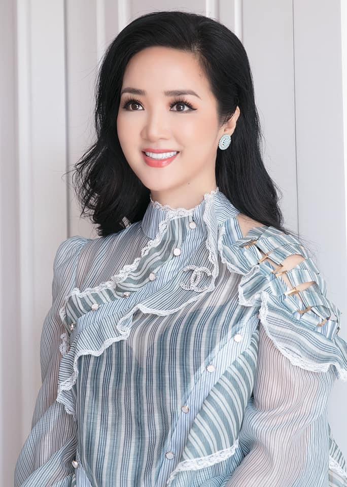 Hoa hậu đền Hùng Giáng My