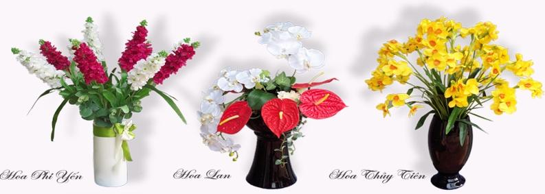 Các mẫu hoa tại cửa hàng hoa lụa Nhật Phương