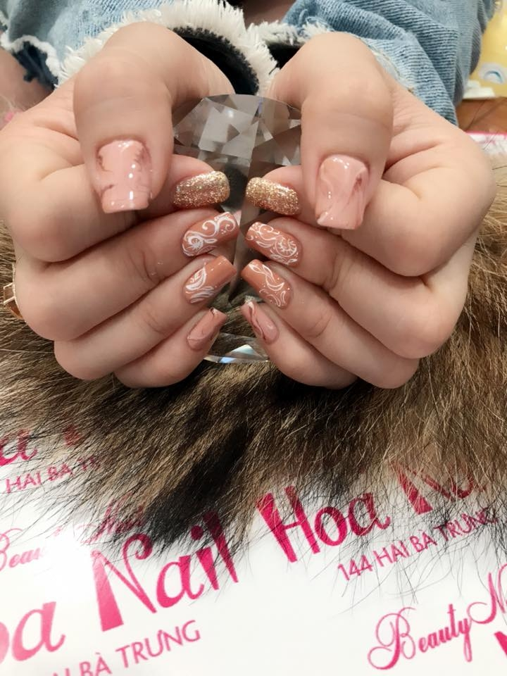 Hoa Nail