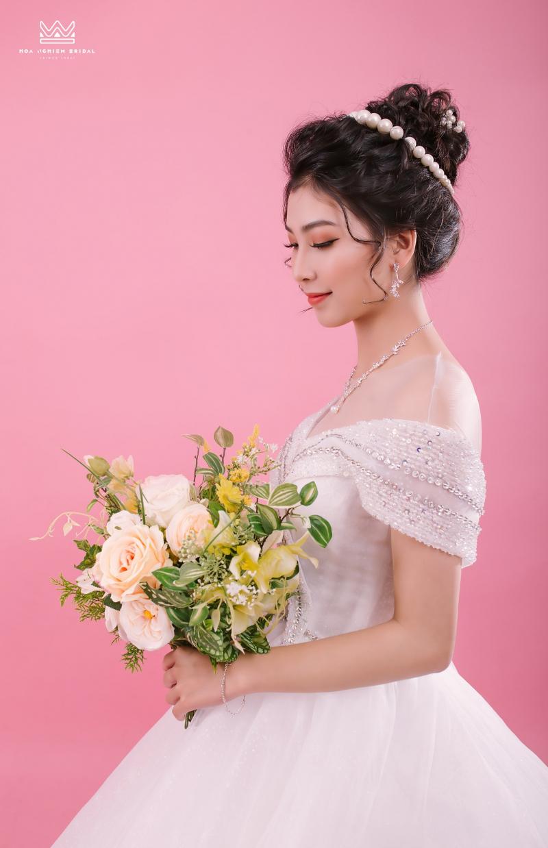 Hoa Nghiêm Bridal