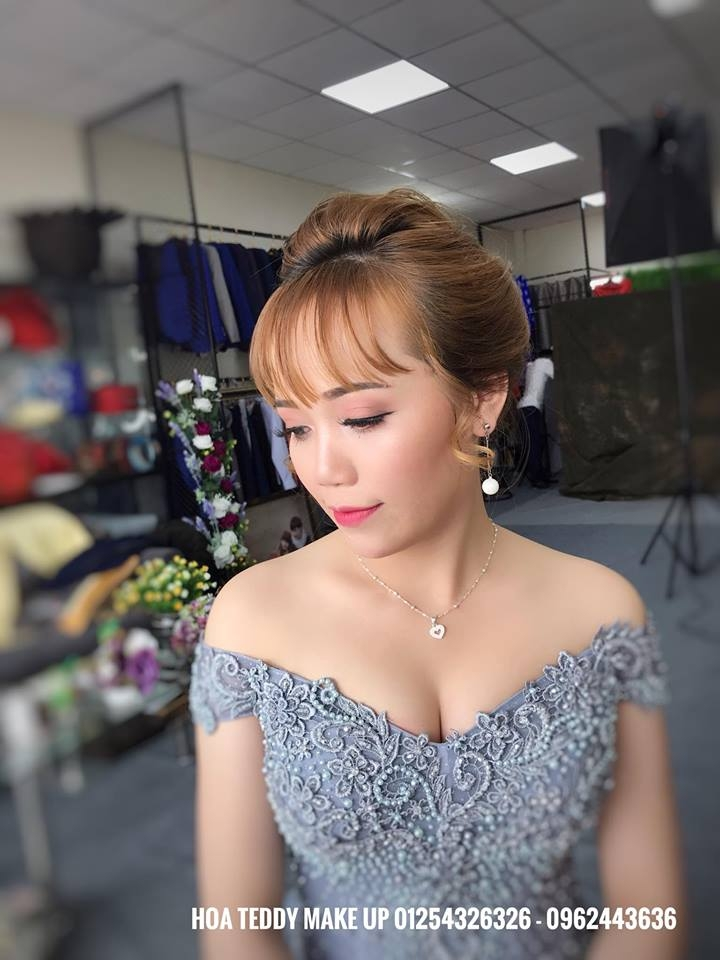 Hoa Teddy Makeup Store (VƯƠNG QUYỀN WEDDING)