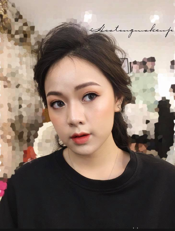 Hoa Tống Make up Store