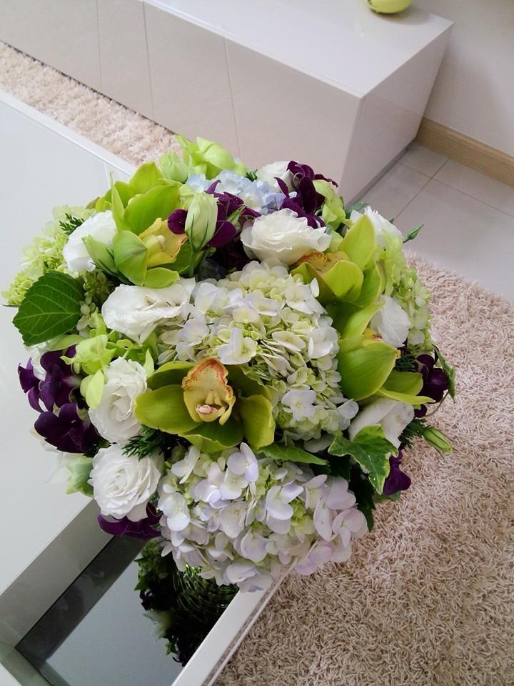Bó hoa cưới được thiết kế tinh tế