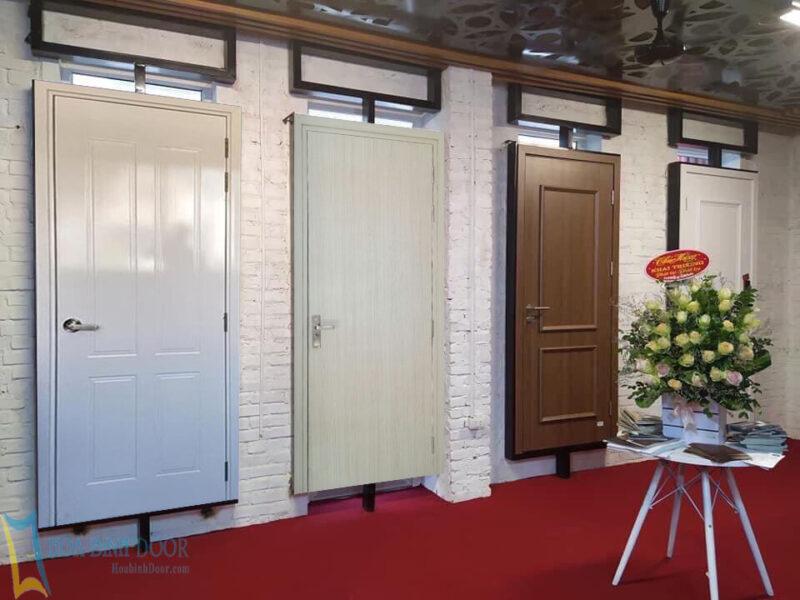 Nếu bạn đang tìm mua cửa nhựa Composite tại thành phố Hồ Chí Minh uy tín- chất lượng thì Hoabinhdoor là một gợi ý rất ổn luôn nhé