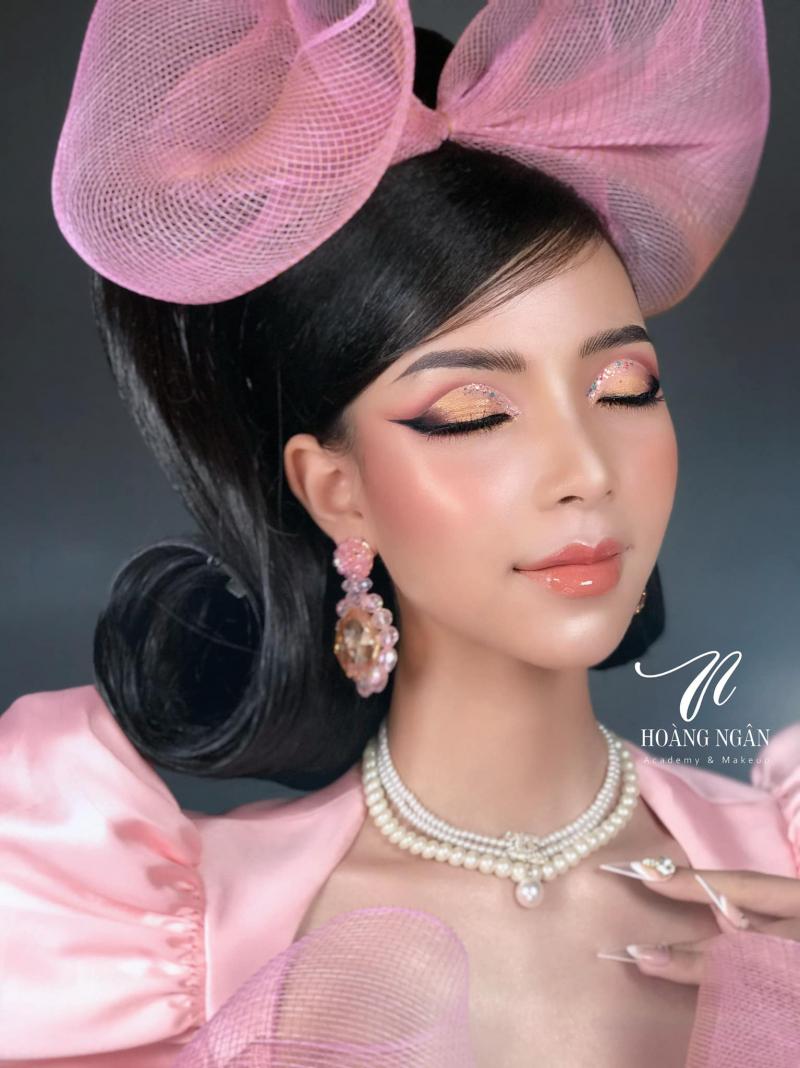 Hoàng Ngân Make-Up Store